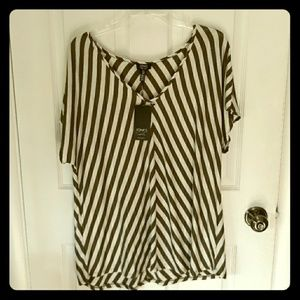 NWT Jones of New York top